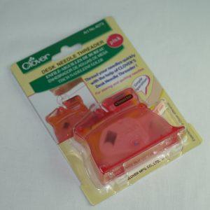 Clover nåletræder rød